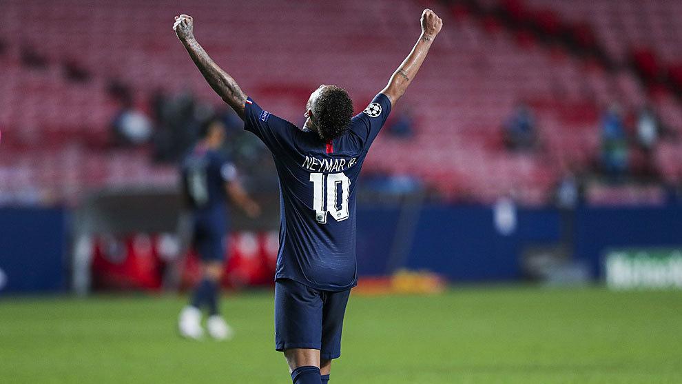 Neymar celebrando un tanto con el PSG.