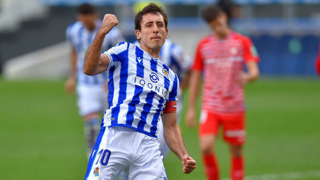 Oyarzabal celebra el segundo gol de la Real Sociedad.