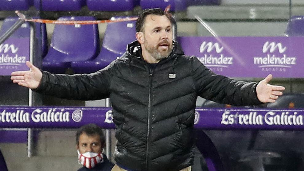Sergio González reclamando una jugada en el Valladolid-Athletic