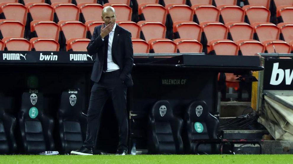 Zinedine Zidane, durante el partido ante el Valencia