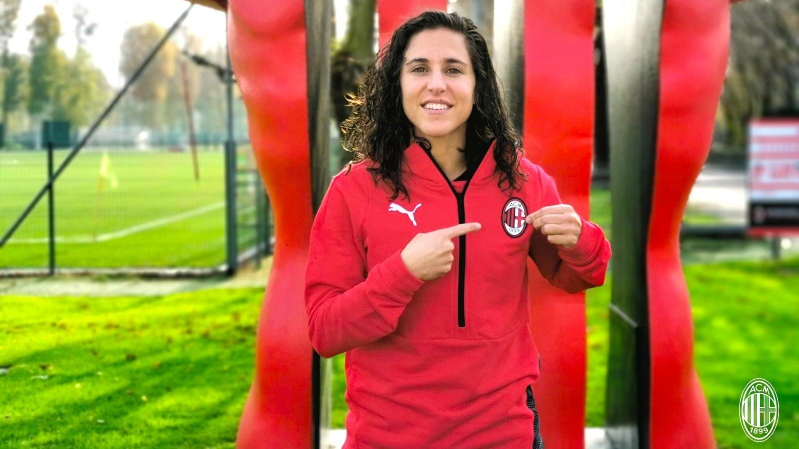Vero Boquete es presentada con el AC Milan.