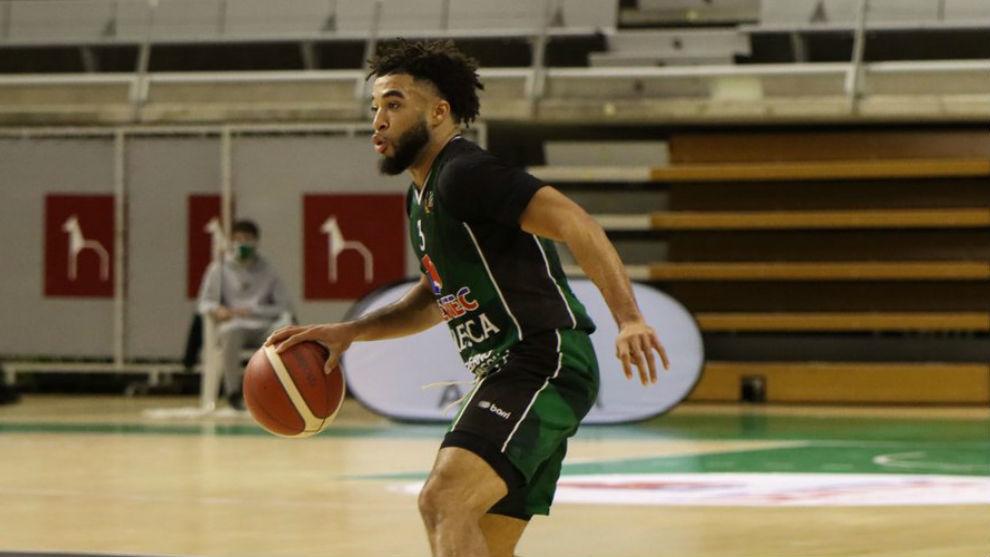 Olin Carter en el último partido del Levitec Huesca en la LEB Oro.