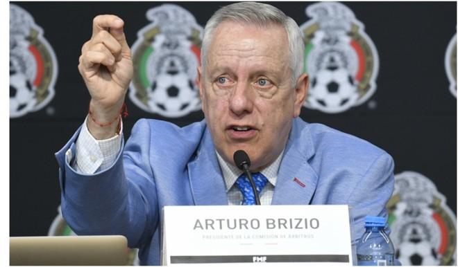 Arturo Brizio aceptó un error arbitral en el Chivas vs Rayados.