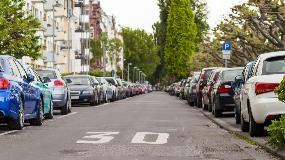 En ciudad, el límite será de 30 km/h en vías de un único carril...