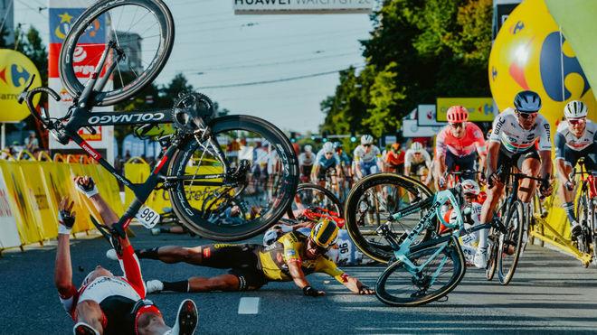 Groenewegen, sancionado 9 meses por la UCI tras su incidente con Jakobsen