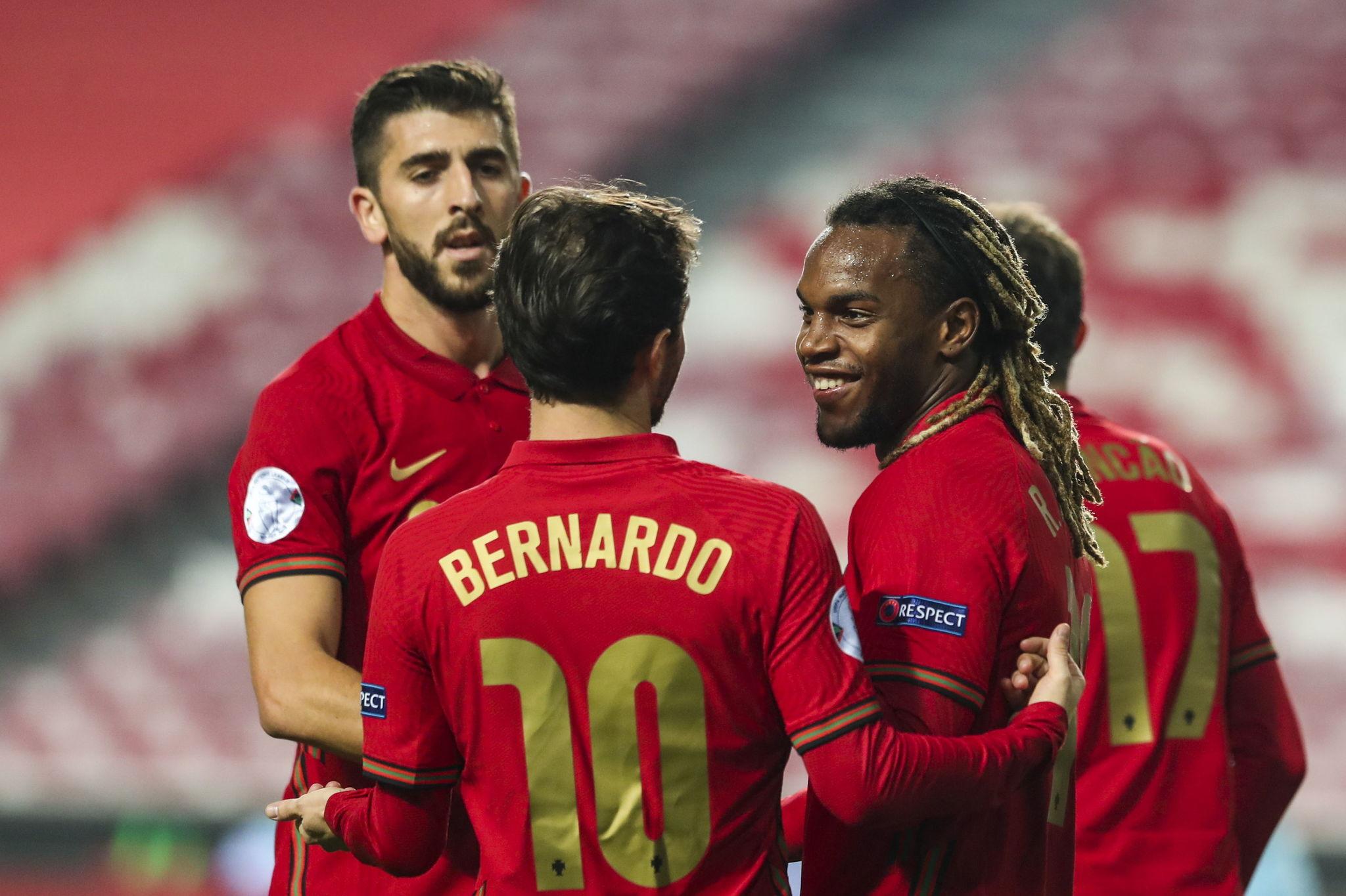 Renato Sanches celebra su gol, era el 3-0 en ese momento