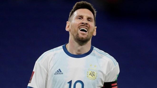 Messi y Argentina empatan ante Paraguay.