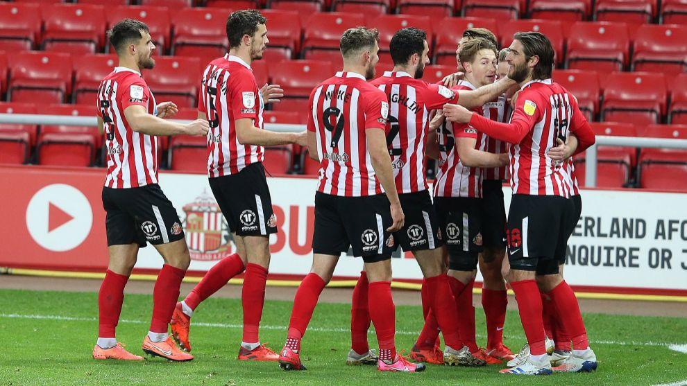 Los jugadores del Sunderland celebran un gol en la League One