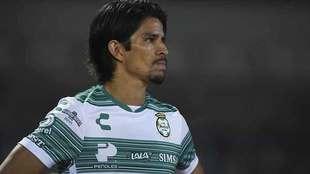 El buen cierre de Santos impulsa a Carlos Orrantia.