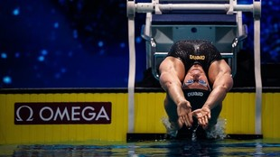 Kira Toussaint, en la salida de la prueba de los 50 m espalda