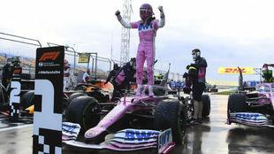 Lance Stroll celebra su primera pole en el GP de Turquía.