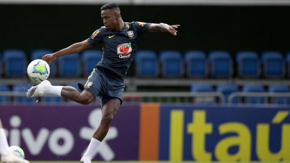 Vinícius, en un entrenamiento de esta semana con Brasil.