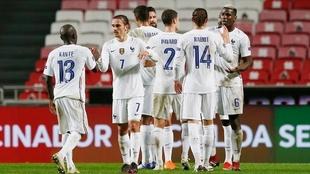 La plantilla francesa celebra la victoria