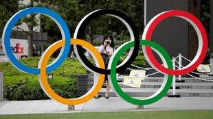 Bach visita Tokio para alentar la realización de los Juegos...