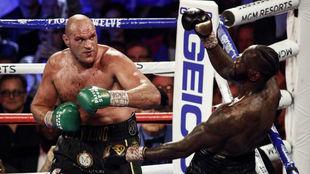 Fury y Wilder, en su combate en Las Vegas en febrero.