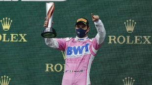 Checo Pérez, en el podio del Gran Premio de Turquía.
