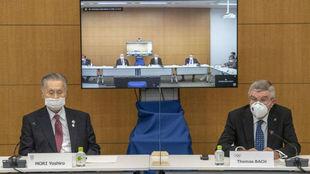 Yoshiro Mori, presidente del Comité Organizador de Tokyo 2020, y...
