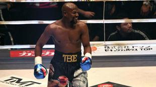 Mayweather, tras ganar al kickboxer Tenshin Nasukawa en una...