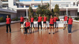 Las ocho promesas del triatlón junto a Kini Carrasco y Álex...