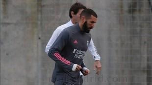 Benzema, en la sesión de este lunes en Valdebebas