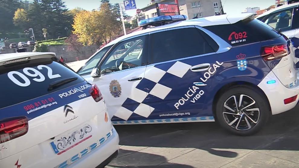 ¡La Policía Local de Vigo multa a sus propios coches patrulla!
