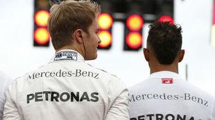 Rosberg y Hamilton, en el GP de Alemania 2016.