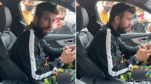 """Piqué se topa con los aficionados del semáforo: """"Uy, qué mirada nos ha echado"""""""