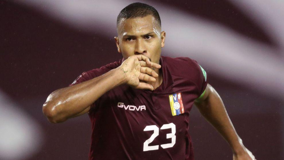 Rondón da el primer triunfo a Venezuela y sigue haciendo historia