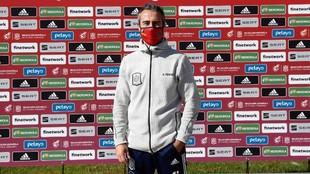 Jorge Vilda posa para los medios en la Ciudad del Fútbol de Las...