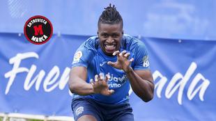 Sekou Gassama hace su famosa celebración para MARCA.
