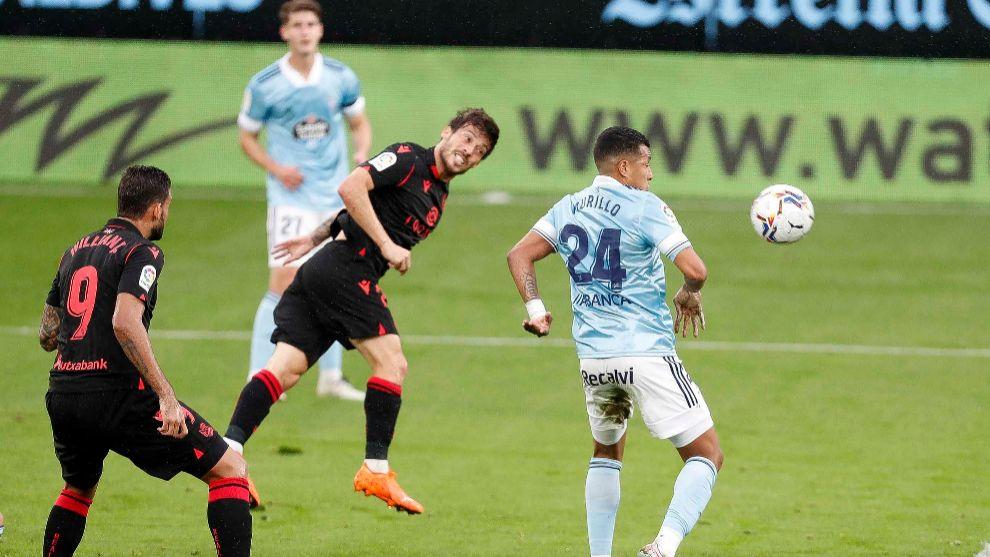 David Silva cabecea para marcar en Balaídos su primer gol con la...