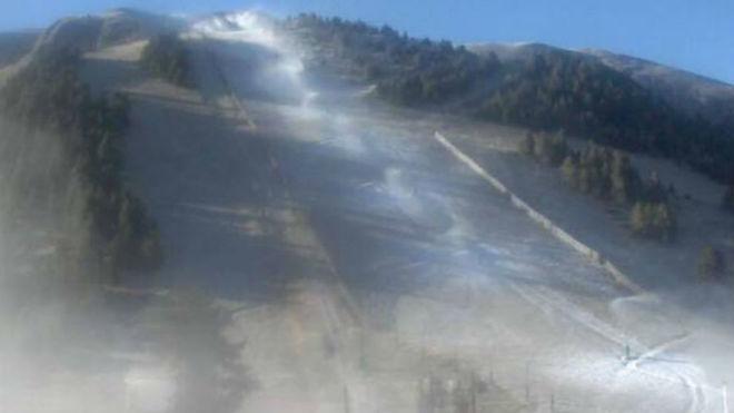 Las estaciones podrían comenzar a fabricar nieve en breve.