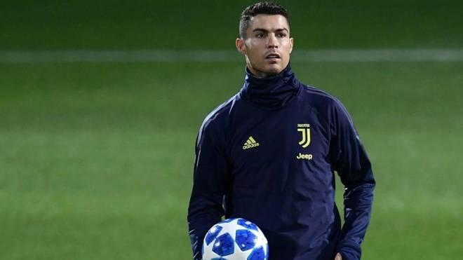 Cristiano Ronaldo seguirá en Juventus, según medios italianos — No se mueve