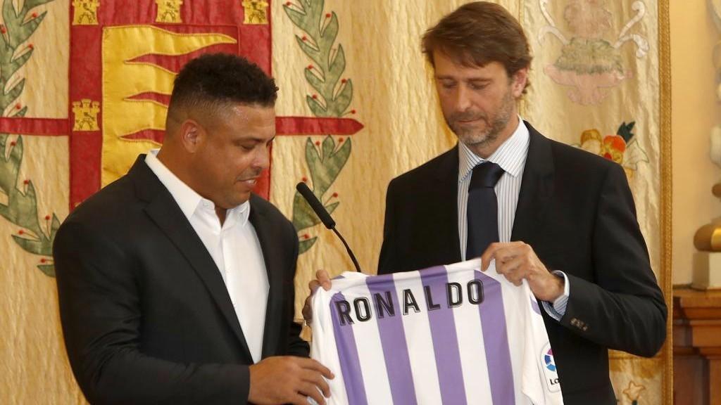 Ronaldo, junto a Carlos Suárez.