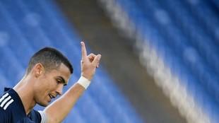 Cristiano Ronaldo celebra un gol tras marca un gol a la Lazio en el...
