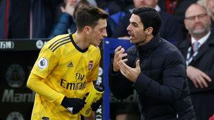 """Arteta explica los motivos de la exclusión de Özil: """"No quiero a un jugador que..."""""""