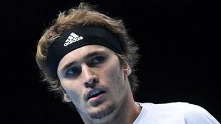 Alexander Zverev, durante el partido antes Djokovic de la Copa...