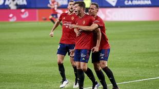 David García celebra su gol con sus compañeros.