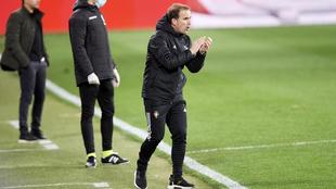 Arrasate, durante el partido ante el Huesca.
