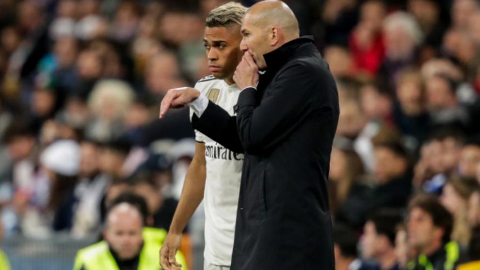 Marino junto a Zidane.
