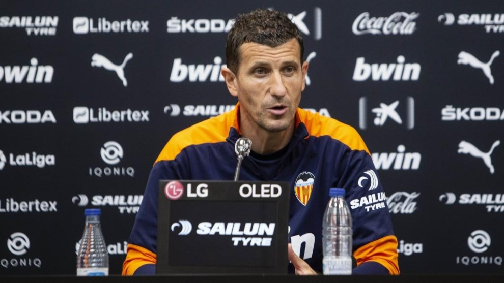 Javi Gracia, en rueda de prensa desde la ciudad deportiva de Paterna.