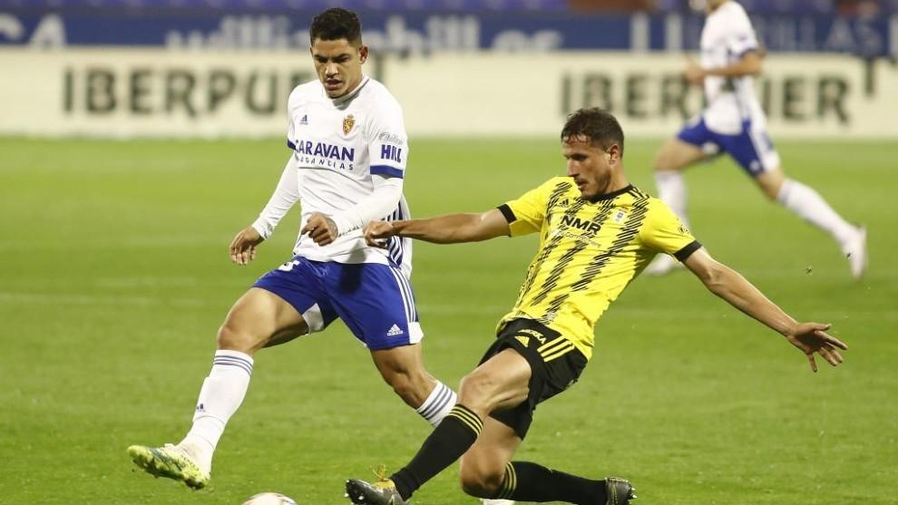 Toro Fernández fue titular en el partido contra el Oviedo.