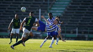 El remate de chilena de Toni Martínez que supuso el 0-1 del Oporto.