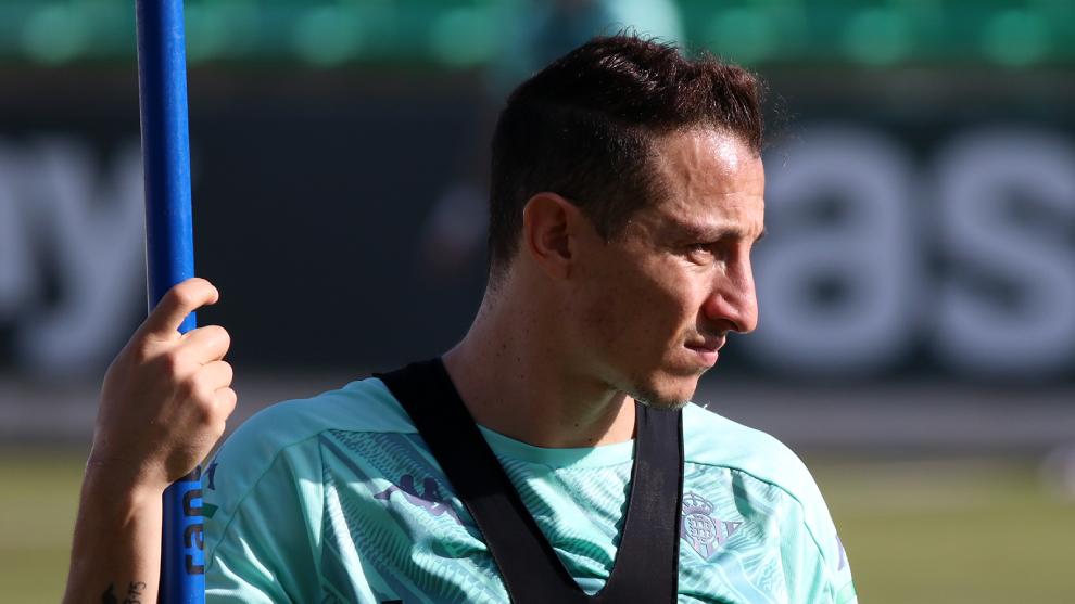 Andrés Guardado estaría disponible ante el Athletic