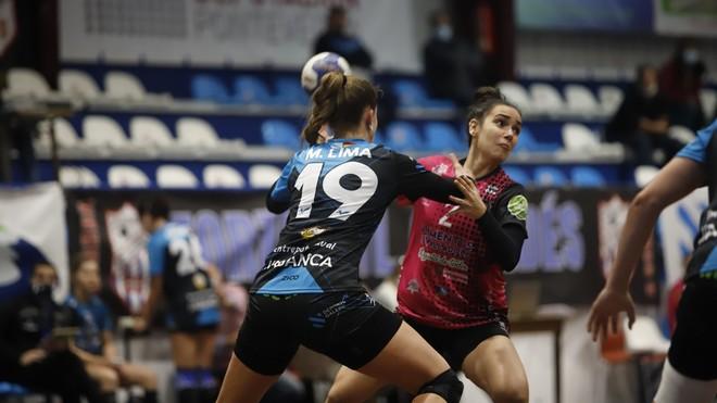 Un momento del partido entre el Atl. Guardés y el Aula Valladolid /