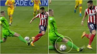 No es propio de Ter Stegen: su mala salida por el fallo de Piqué que Carrasco convirtió en gol