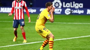 Clement Lenglet en lamento durante el partido del Barcelona.  