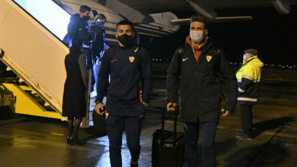Idrissi (24), a la llegada del equipo a Krasnodar.