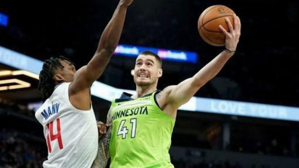 Juancho en un partido de la NBA.