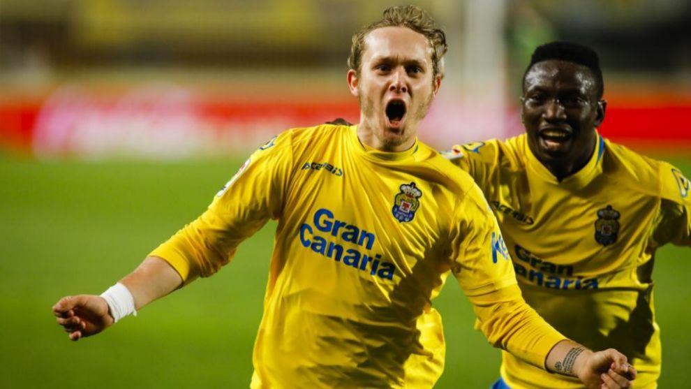 Halilovic celebra un gol con Las Palmas